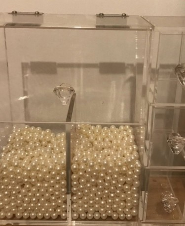 NEW MAKEUP GLASS ORGANIZER WITH PEARLS INCLUDED