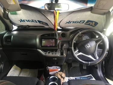 2011 Honda Stream Rsz
