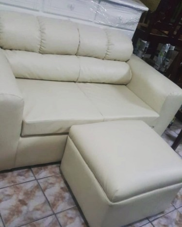 BEAUTIFUL 2 SEATER AND OTTOMAN FOR SALE