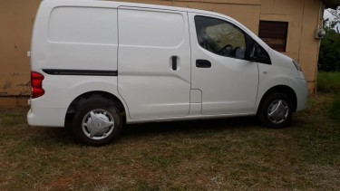 2012 Nissan Nv200 . 5 Speed Gearbox. Turbo Diesel
