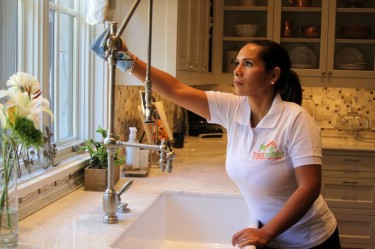Cleaning Jobs Canada Earn Over US$300 Per Day