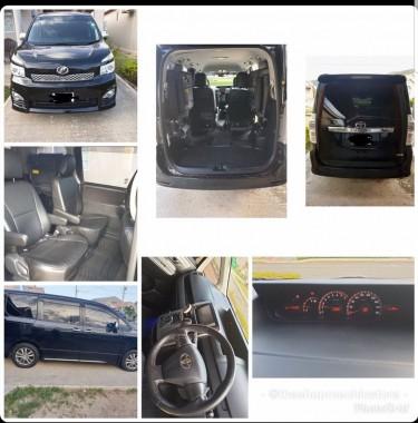 2012 Toyota Voxy ZS (Black)
