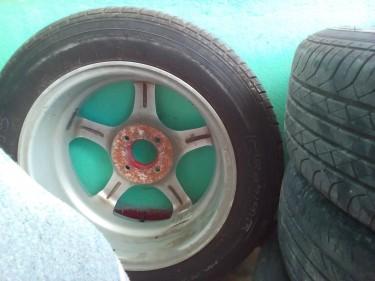 15 Rim N Tyre 185/60
