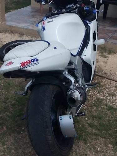 2003 GSXR 74
