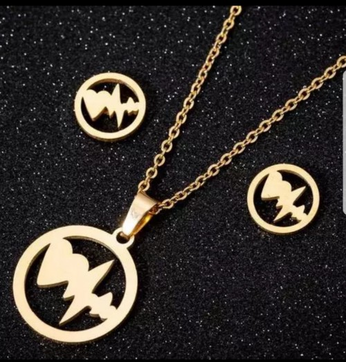 Costmerics And Stainless Steel Necklaces