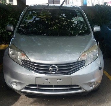 2013 Silver Nissan Note