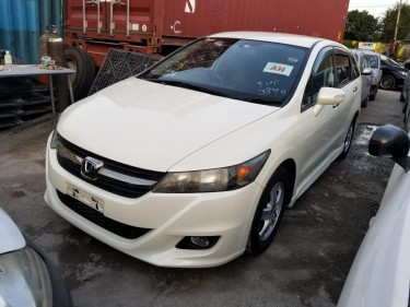 2010 Honda Stream (New Import)