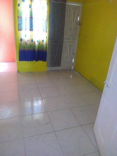 2 Rooms, Kit, Bath, Own Light