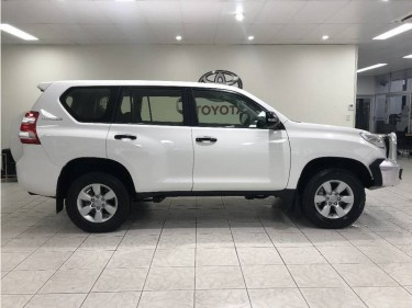 2017 TOYOTA LAND CRUISER PRADO FOR $10,000