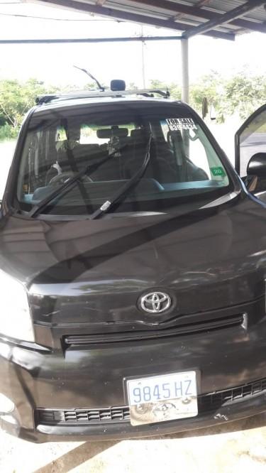 2011 Toyota Noah