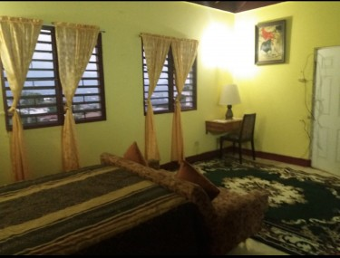 Lovely Furnished 4 Bedroom, 4 1/2 Bathrm House  Houses East Kirkland  Hit, Red Hill, St.Andrew..