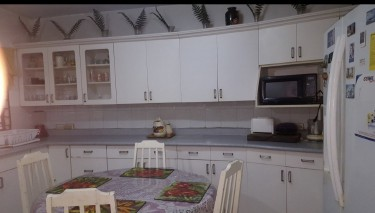 Lovely Furnished 4 Bedroom, 4 1/2 Bathrm House