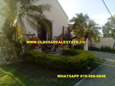 2 BEDROOM 2 BATH FURNISHED APARTMENT IN PALM SHORE