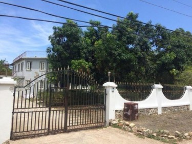 SEMI FURNISHED 3 BEDROOM GROUND FLOOR FOR RENT