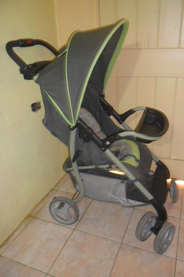 Used Baby Stroller And Play Pen For Sale