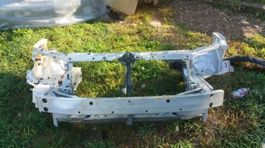 Toyota Axio Parts And Nose Cut