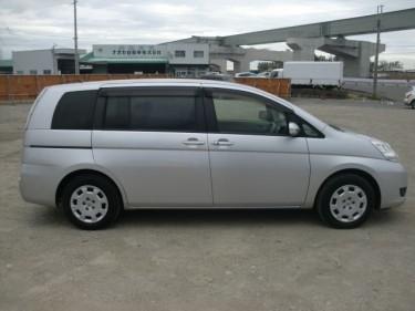 Toyota Isis 2013.... (70,548km) 1800cc