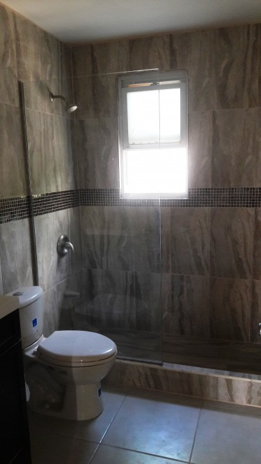 2 Bedrooms Unfurnished Townhouse