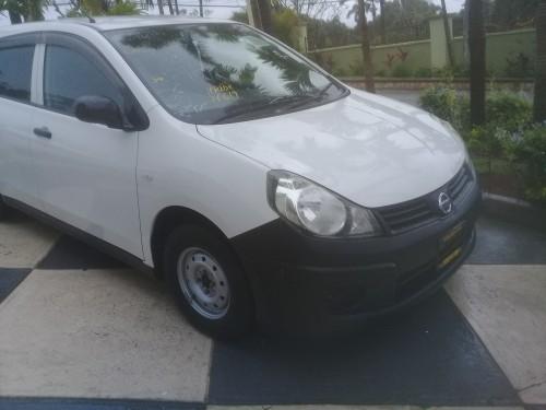 2014 Nissan AD (White)