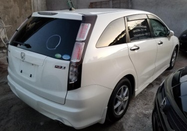 2010 Honda Stream RSZ (New Import)
