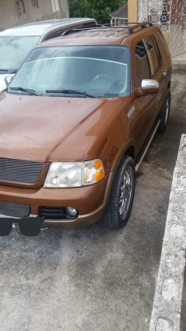 Clean 2003 Ford Explorer