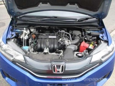 2015 Honda Fit (NEWLY IMPORTED )