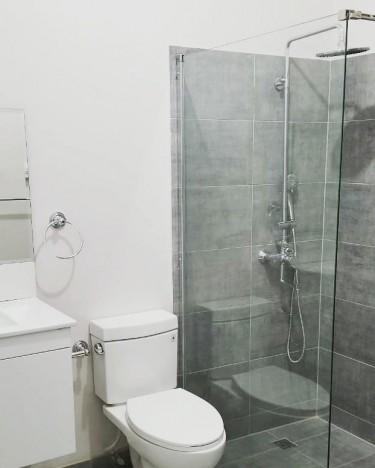 UPGRADE YOUR BATHROOM WITH MODERN DECOR