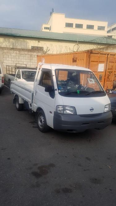 Nissan Vannette Truck