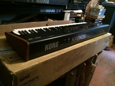 Korg Kronos 2 88 Key Music Synthesizer Workstation