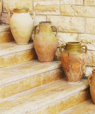 CUSTOM DESIGN YOUR OWN BEAUTIFUL POTTERY