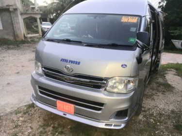 Toyota Hiace  Buses Little London