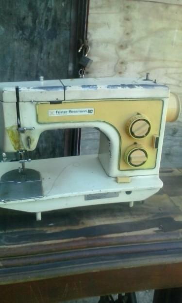 Frister Rossmann 402 Sewing Machine