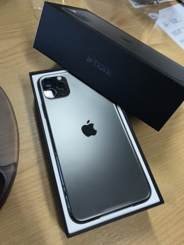 Apple IPhone 11 Pro Max $500