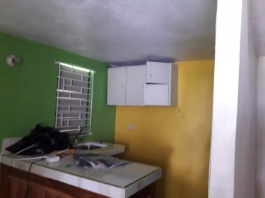 UNFURNISHED STUDIO APARTMENT FOR RENT