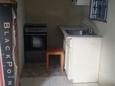 Small Furnished 1 Bedroom Studio For Rent