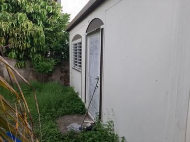 1 Bedroom Studio House
