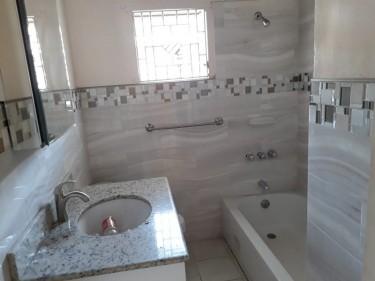 UNFURNISHED 2 BED 1 BATH FOR RENT
