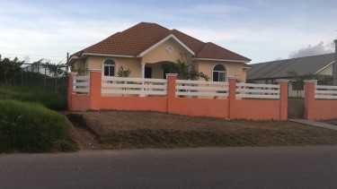 3 Bedroom Newly Constructed House Developed Area