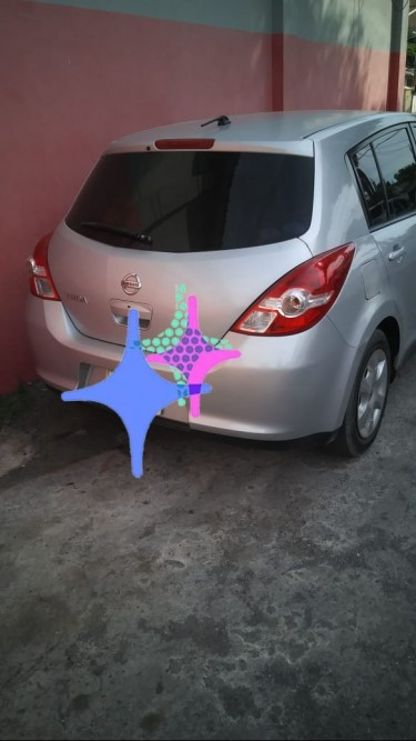 2010 Nissan Tiida Hatchback