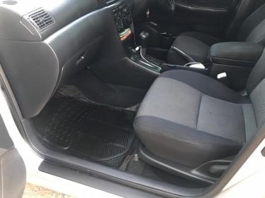 2004 Toyota Runx