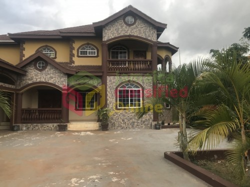 4 Bedroom Luxurious And Spacious Family Home Houses Junction