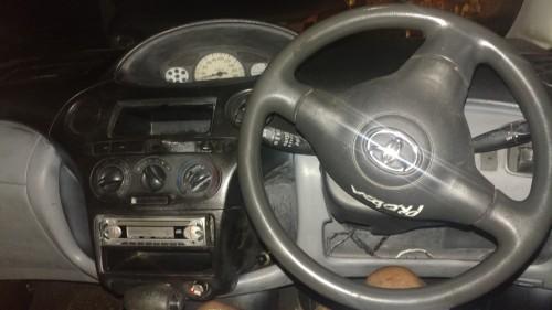 2003 Toyota Vitz