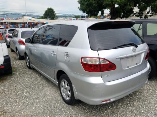 2004 Toyota Ipsum
