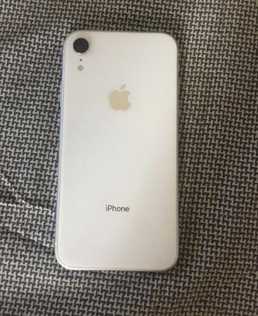 "IPhone XR 128gb No Faults  ""netlocked At&t"