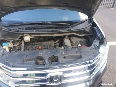 Honda Stepwagan Spada 2011