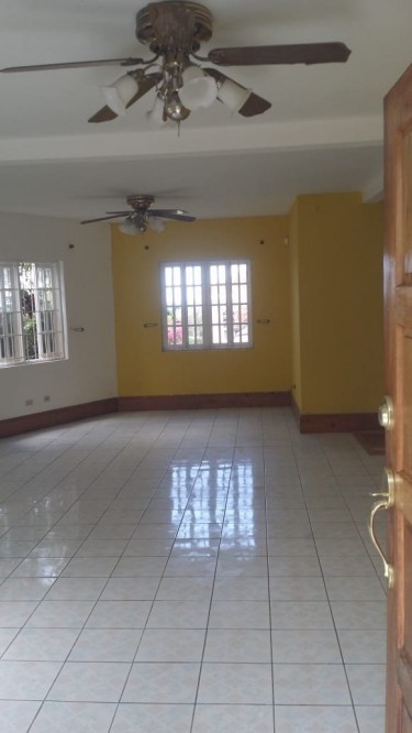 Spacious 4 Bedroom House In Vista Del Mar ST Ann