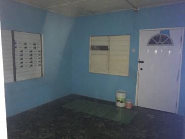 1 Bedroom Shared Bathroom & Kitchen