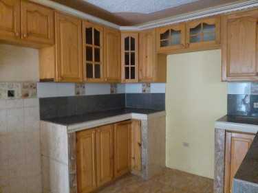 2 Bed, 1 Bath Flat-Padmore Dist, Rural St. Andrew