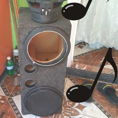 Rockford Bass Speakers And Box