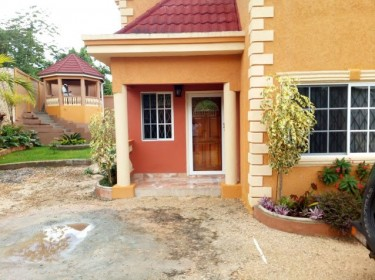 1 Bedroom Short Term Rental In Mandeville